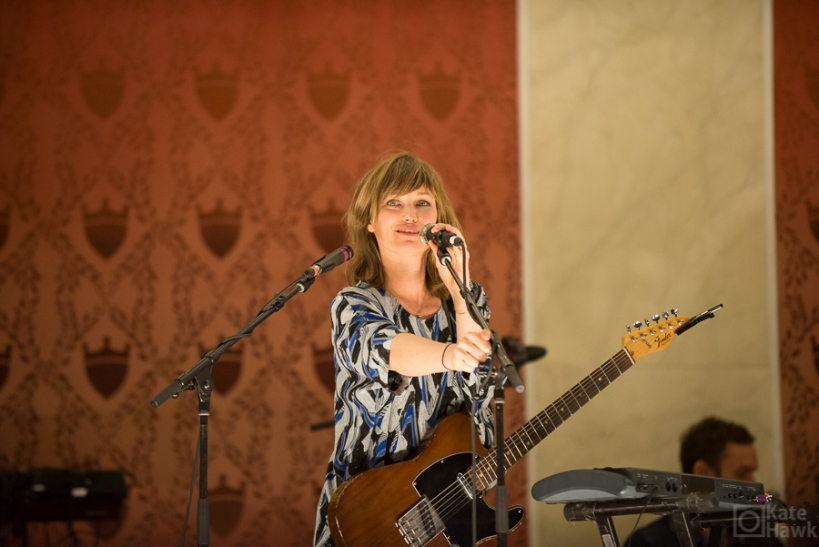 Picture of Mina Tindle performing at Memorial Hall